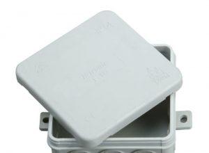 Kopp 347114008 Abzweigdose Aufputz-Feuchtraum, mit 5-poliger Klemmleiste, IP 54, 85 x 85 x 40 mm