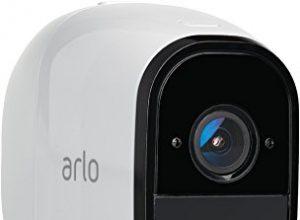 Arlo Pro Smart Home Zusatz-Überwachungskamera und Alarmanlage 100% kabellos, 720p HD, 130 Grad Blickwinkel, WLAN, Bewegungsmelder, Nachtsicht, Indoor/Outdoor weiß, VMC4030
