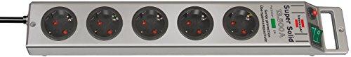 aus bruchfestem Polycarbonat Farbe: Silber – Brennenstuhl Super-Solid, Steckdosenleiste 5-fach mit Überspannungsschutz 2,5m Kabel und Schalter